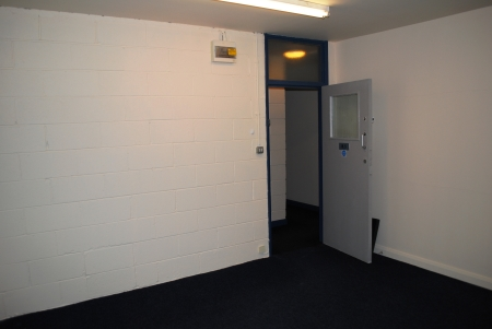 Office Space to suit 2-4 people 154 sq ft